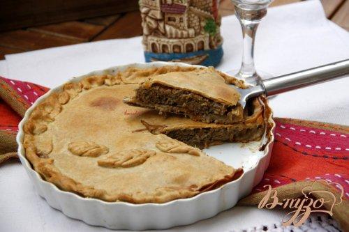 Французский пирог с мясом и красным вином