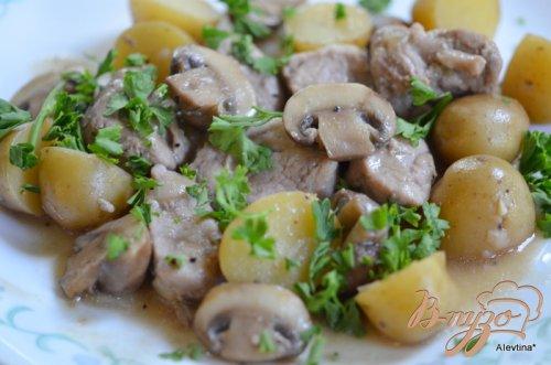 Ужин с картофелем и свининой