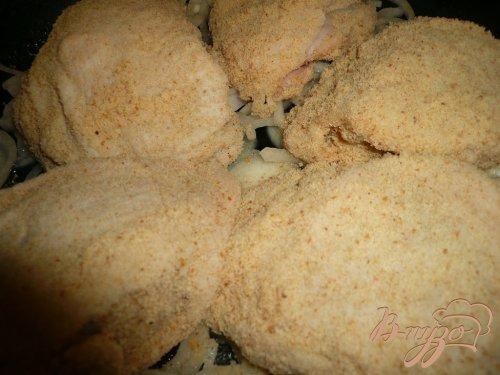 Куриные бедра запеченные в панировке