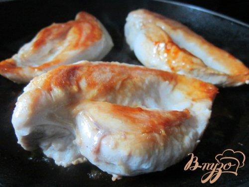 Куриные грудки с морковью в вишневом соке