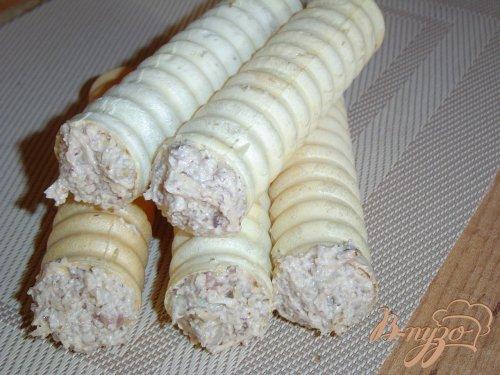 """""""Трубочки"""" с закуской из грибов, сыра, балыка"""