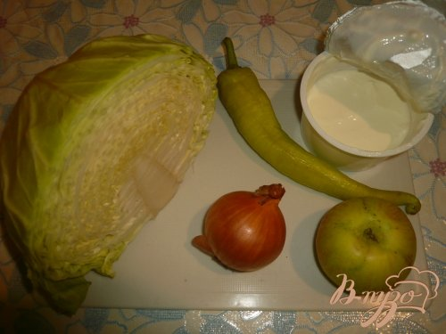 Капуста со сметанкой и яблочком