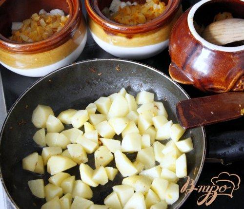 Сливочный горшочек с курицей картофелем и горошком