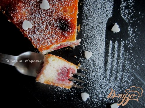 Открытый пирог с вишнями