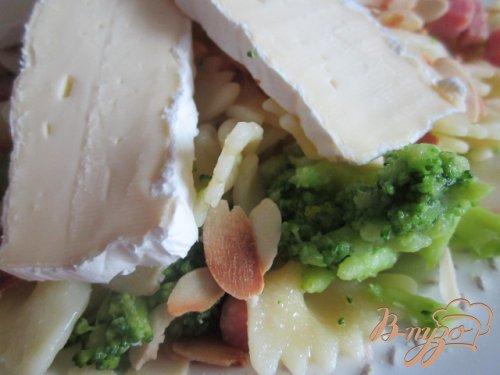 Паста с брокколи и сыром Бри