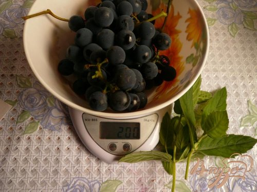Компот из винограда с мятой