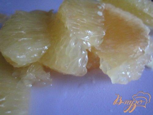 Салат из красного лука с грейпфрутом