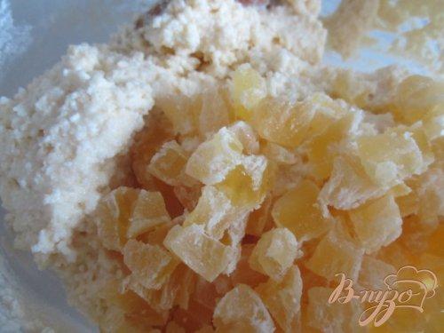 Творожные лепешки с цукатами из ананаса