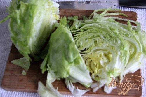 Салат из индейки, айсберга и помидоров