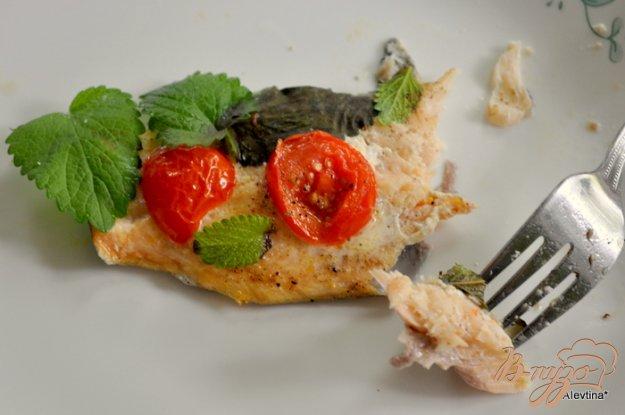 фото рецепта: Форель с помидорами и базиликом