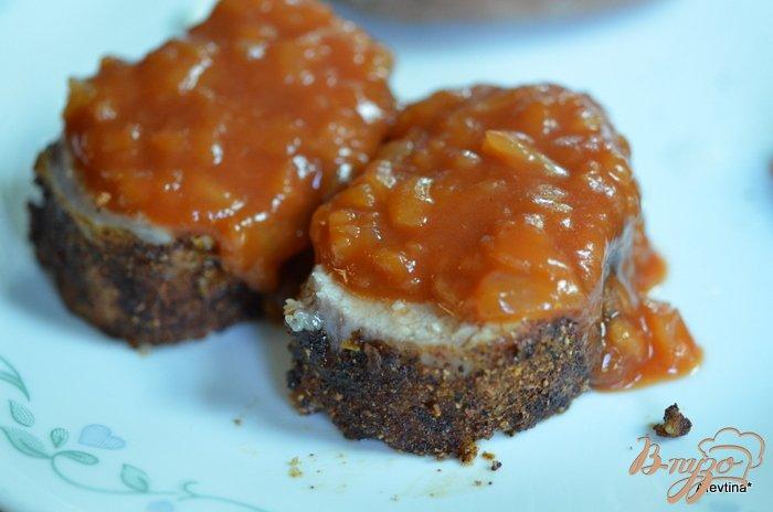 Фото приготовление рецепта: Свинина с яблочным соусом шаг №6