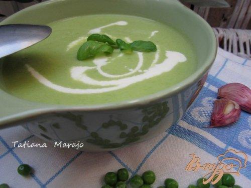 Суп-пюре из зеленого горошка и моцареллы