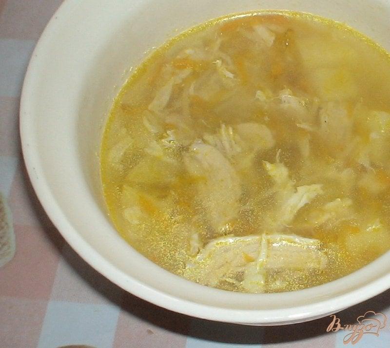 Фото приготовление рецепта: Легкий куриный суп шаг №7