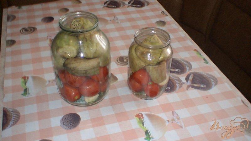 Фото приготовление рецепта: Помидоры с баклажанами консервированные шаг №7