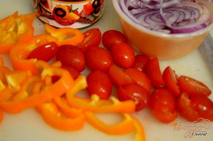 Фото приготовление рецепта: Лепешки с колбасой чоризо шаг №2