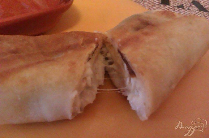 Фото приготовление рецепта: Блинчики с курицей и сыром шаг №9