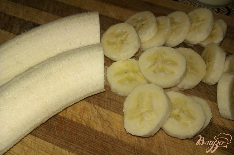 Фото приготовление рецепта: Блинчики с карамельно-банановой начинкой шаг №2
