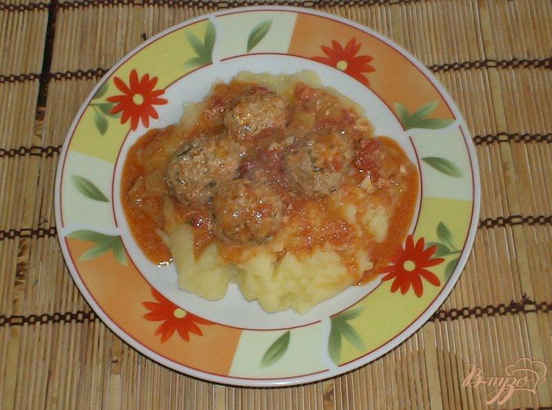 Фото приготовление рецепта: Фрикадельки в соусе шаг №9