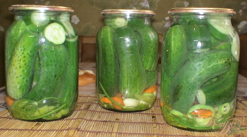 Фото приготовление рецепта: Огурцы с лимонной кислотой шаг №5