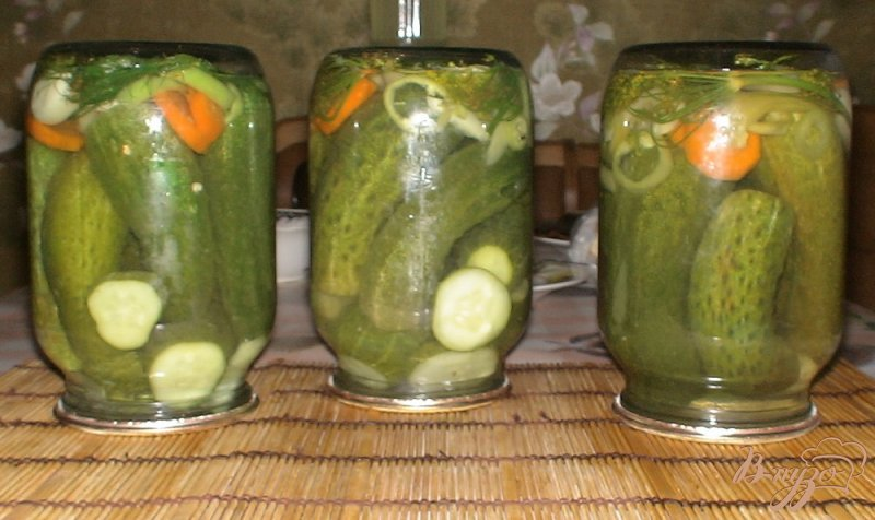 Фото приготовление рецепта: Огурцы с лимонной кислотой шаг №6