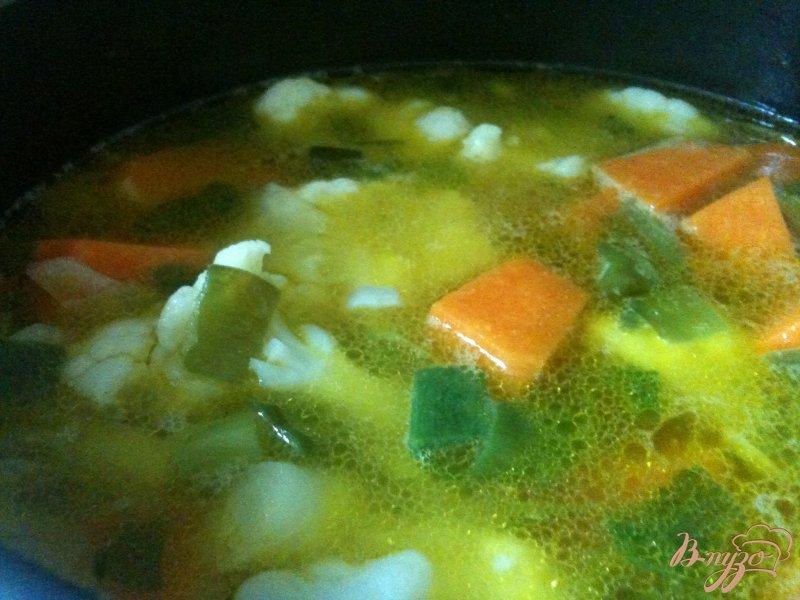 Фото приготовление рецепта: Тыквенный суп с  сырными клецками шаг №4
