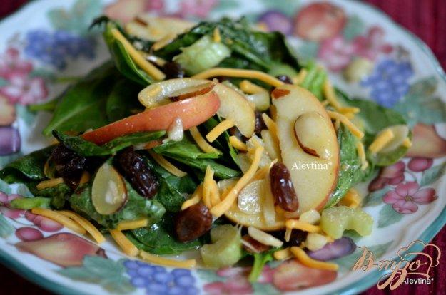 Рецепт Салат с шпинатом и яблоками