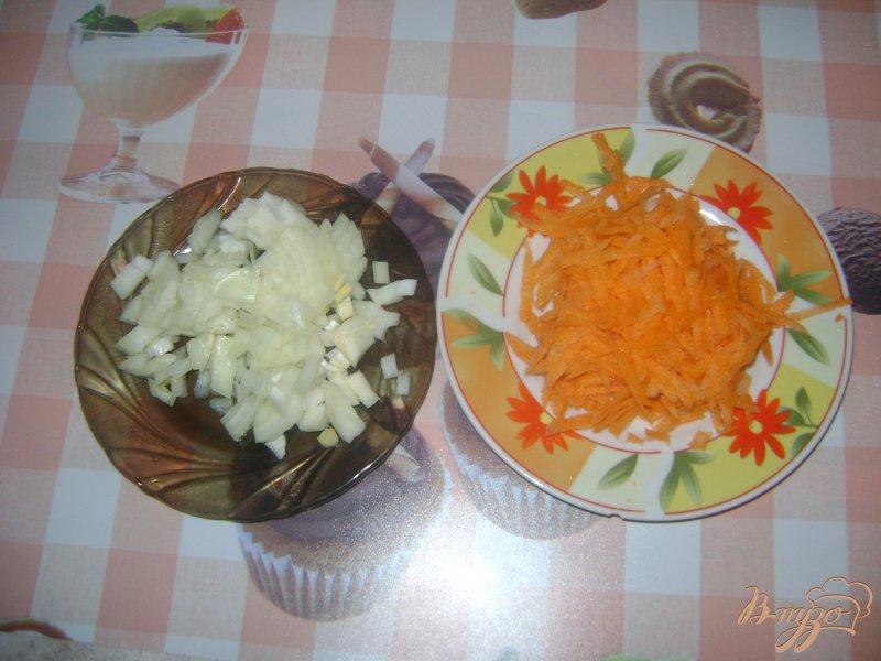 Фото приготовление рецепта: Рассольник с сердечками и пупками шаг №2