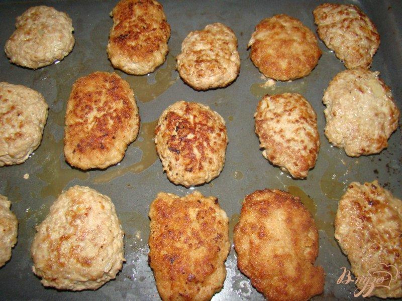 Фото приготовление рецепта: Котлетки под грибной шубкой шаг №1