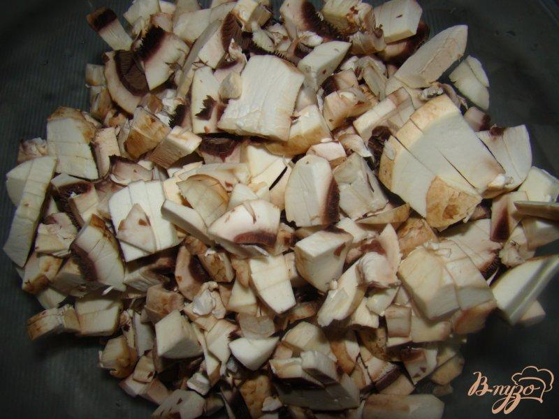 Фото приготовление рецепта: Котлетки под грибной шубкой шаг №2