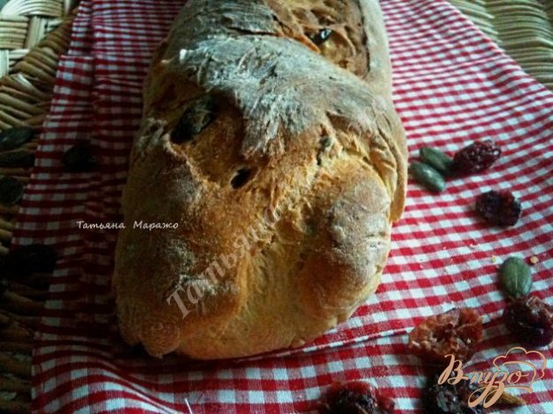 Рецепт Багет с тыквенными семечками и сушеной клюквой