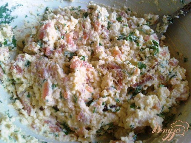 Фото приготовление рецепта: Паста из сыра тофу и подкопченной форелью шаг №8