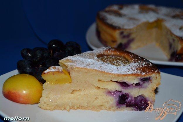 Рецепт Йогуртовый пирог с нектаринами и виноградом