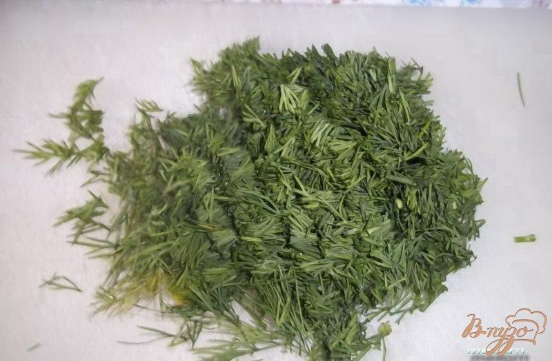 Фото приготовление рецепта: Укропные сконсы с соленой рыбкой шаг №1