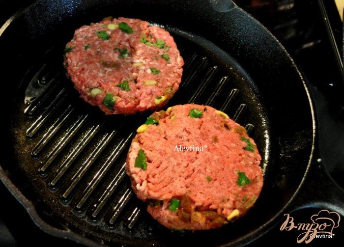 Фото приготовление рецепта: Касабланка бургер шаг №4