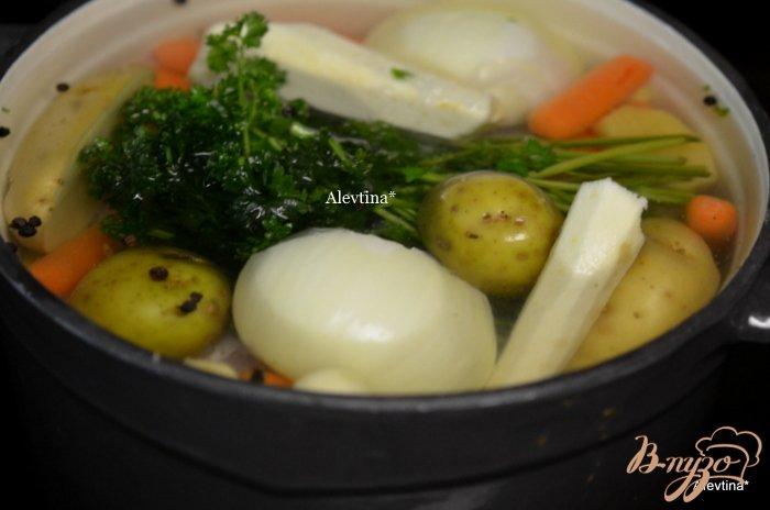 Фото приготовление рецепта: Куриный суп  с звездочками шаг №1