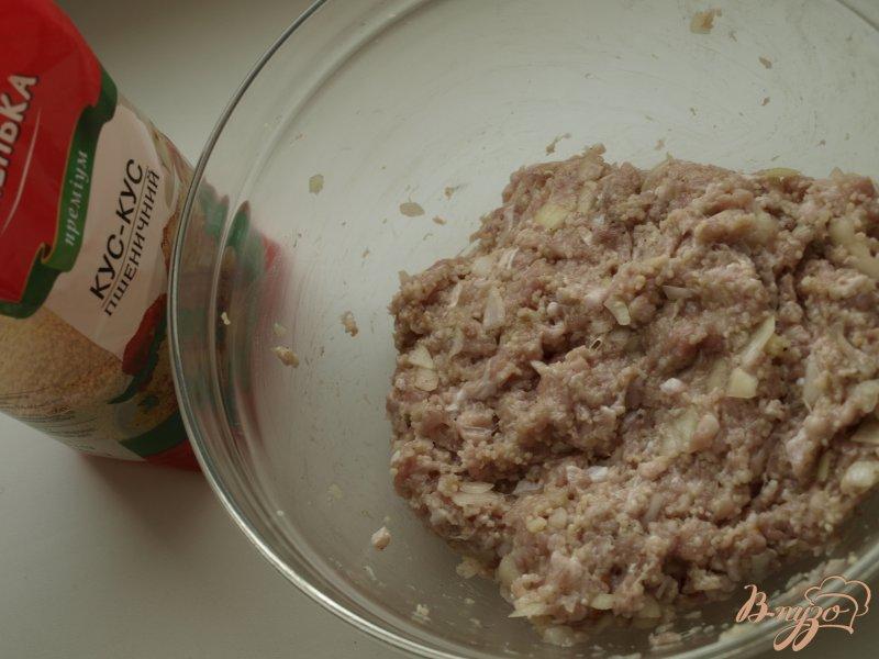 Фото приготовление рецепта: Котлеты из индюшиного фарша с кус-кусом шаг №3