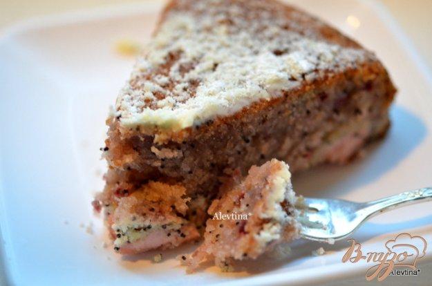фото рецепта: Быстрый кекс с маком и вареньем