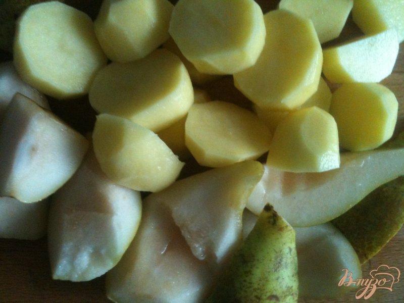 Фото приготовление рецепта: Шпинатный суп с грушами шаг №2