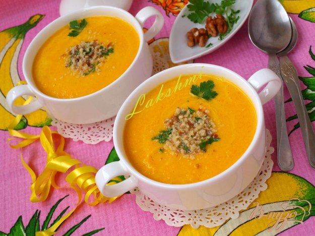 фото рецепта: Морковно-ананасовый суп-пюре с карри