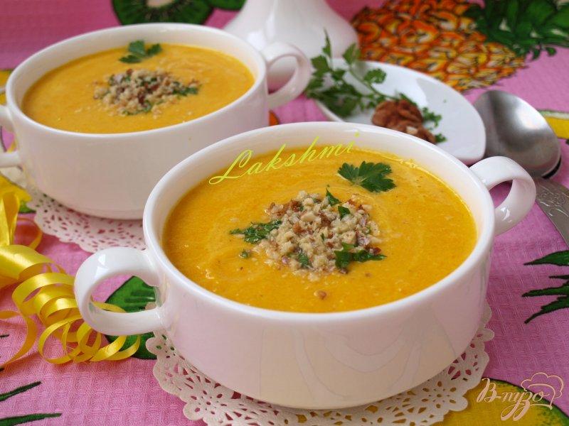 Фото приготовление рецепта: Морковно-ананасовый суп-пюре с карри шаг №7