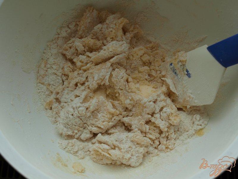 Фото приготовление рецепта: Творожный пирог с абрикосами