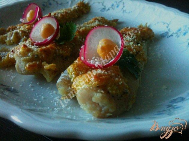 Фото приготовление рецепта: Филе скумбрии под орехово-сырной шапочкой шаг №6