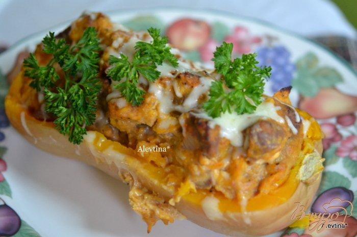 Фото приготовление рецепта: Фаршированная тыква  с говядиной и сыром шаг №7