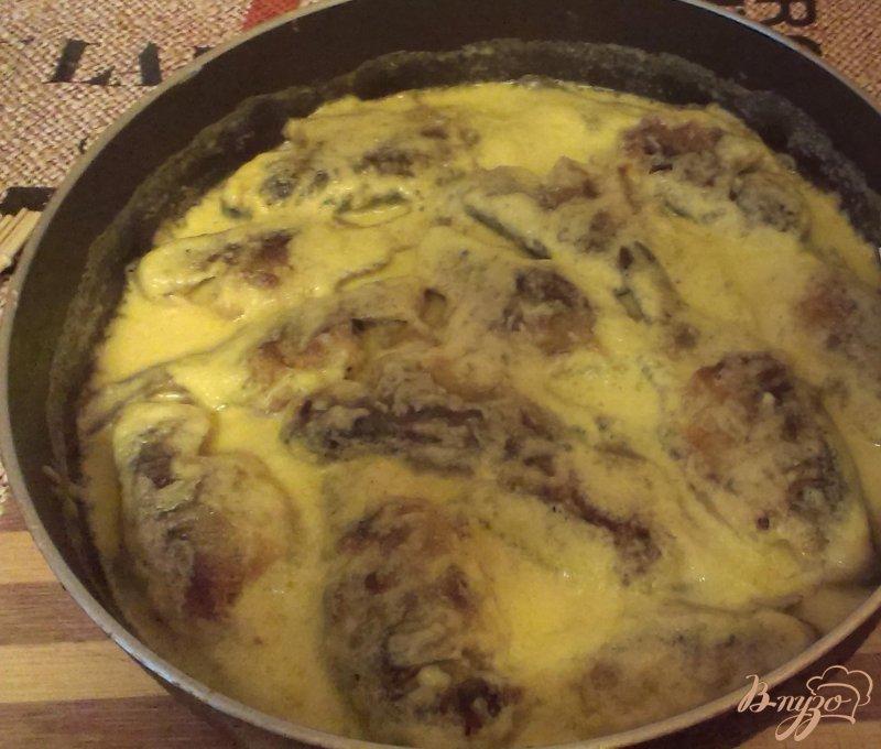 Фото приготовление рецепта: Карасики в сметане шаг №6