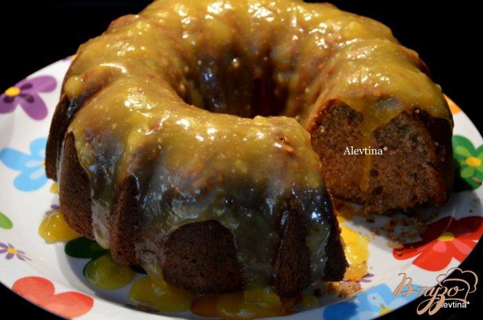 Фото приготовление рецепта: Фунтовый пряный кекс с апельсиново-ромовым соусом шаг №7