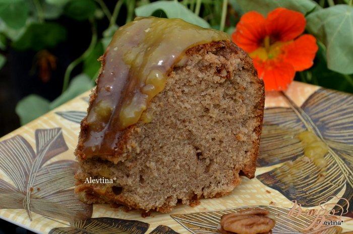 Фото приготовление рецепта: Фунтовый пряный кекс с апельсиново-ромовым соусом шаг №8