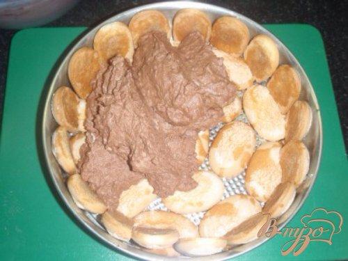 Торт с шоколадным муссом и карамелизироваными орехами