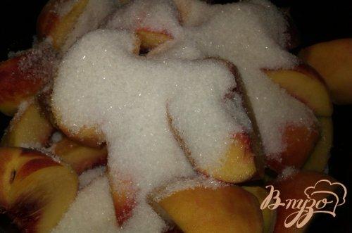 Персиковое варенье с миндалем