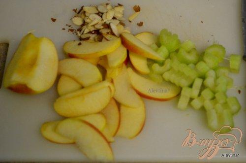 Салат с шпинатом и яблоками