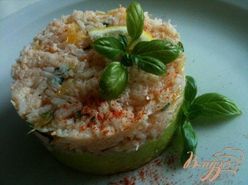 Закуска из авокадо с крабами